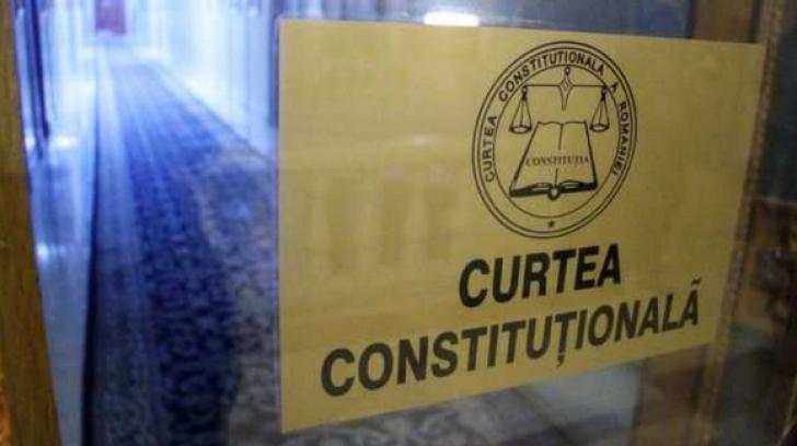 CCR solicită Parlamentului modificarea legii pentru alegerea preşedintelui