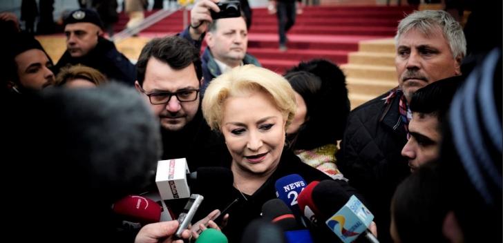 VIDEO Dăncilă, întâmpinată cu scandal în Ferentari