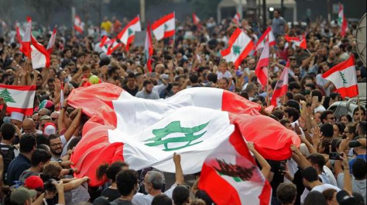 Premierul libanez a demisionat în urma protestelor antiguvernamentale