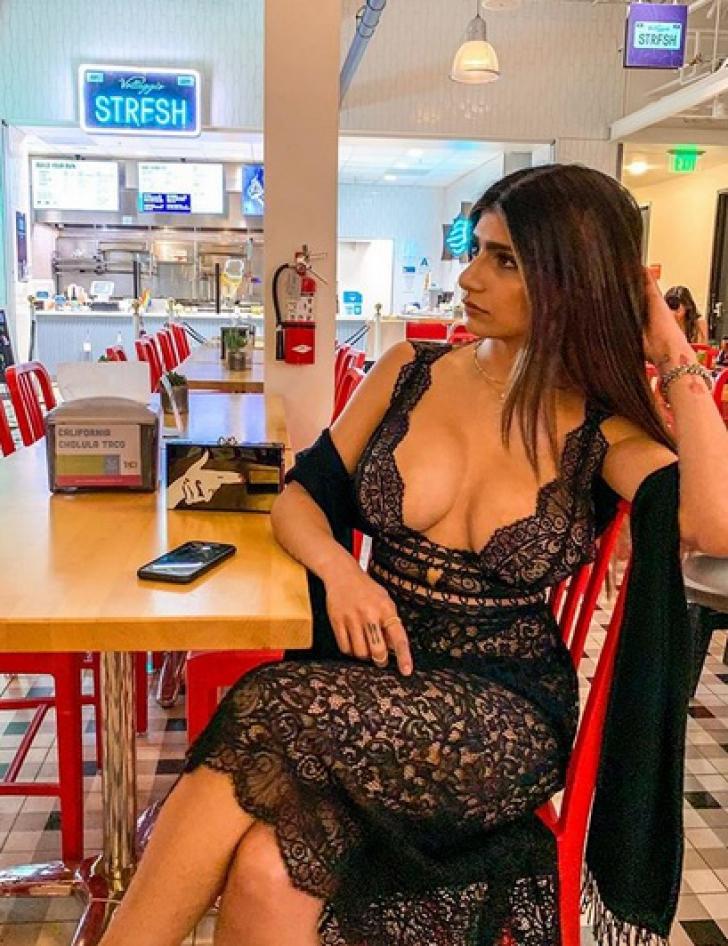 Actrița XXX Mia Khalifa a făcut-o din nou! Imaginea care a încins internetul