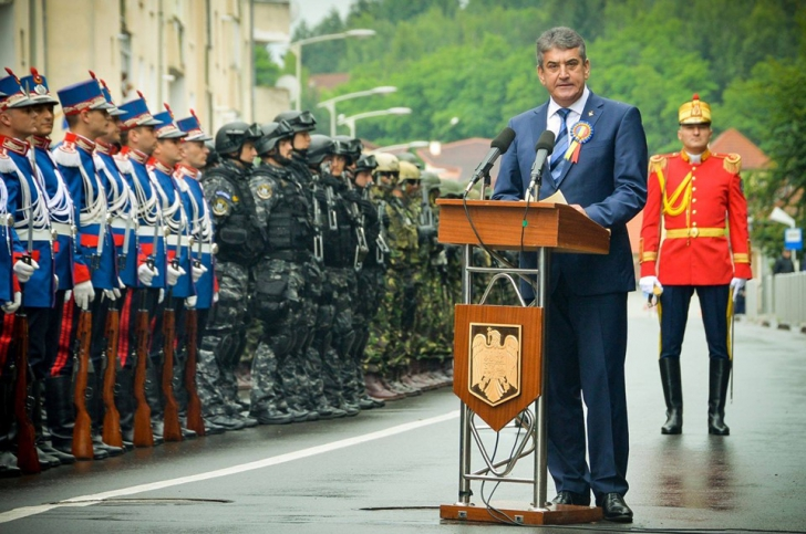 """Gabriel Oprea: """"Armata Română a fost și va fi mereu un pilon de securitate, o instituție credibilă"""""""
