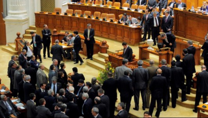 Guvernul Dăncilă a picat! 238 de parlamentari au votat împotriva PSD
