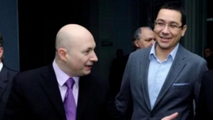 """Victor Ponta, acuzat că acționează """"la ordin"""""""