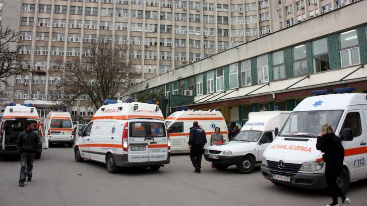 Scene șocant la Spitalul Județean Craiova. Agent de pază, bătut de tatăl unui pacient