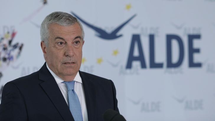 """Tăriceanu a ieșit de la negocieri: """"Nu putem vota un guvern care să-l includă pe Petrov"""""""