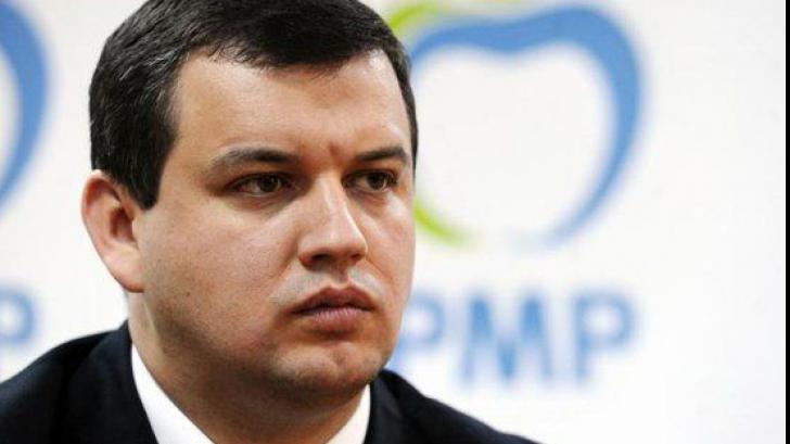 """Eugen Tomac reclamă o """"frică"""" de dezbateri printre prezidențiabili"""