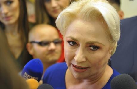Ședință cu cuțitele pe masă, la PSD. Dăncilă a izbucnit în plâns, după ce a fost jignită de Manda