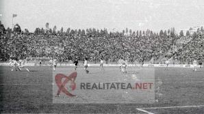 Imagine de la meciul Romania - Danemarca 3-1 din 1989, scanata de pe negativul original. Arhiva: Cristian Otopeanu