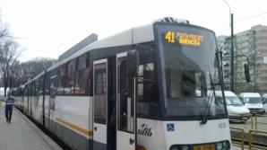 Cum s-a produs accidentul de luni de pe linia tramvaiului 41. Imagini video cu IMPACTUL