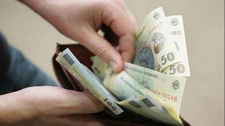 Scandal pe creșterea salariului minim. Dăncilă, contrazisă de patronii mici și mijlocii