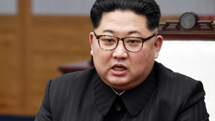 """Coreea de Nord, despre premierul japonez: """"Un idiot, un imbecil! Cel mai prost om din istorie!"""" Amenințări cu rachetele balistice"""
