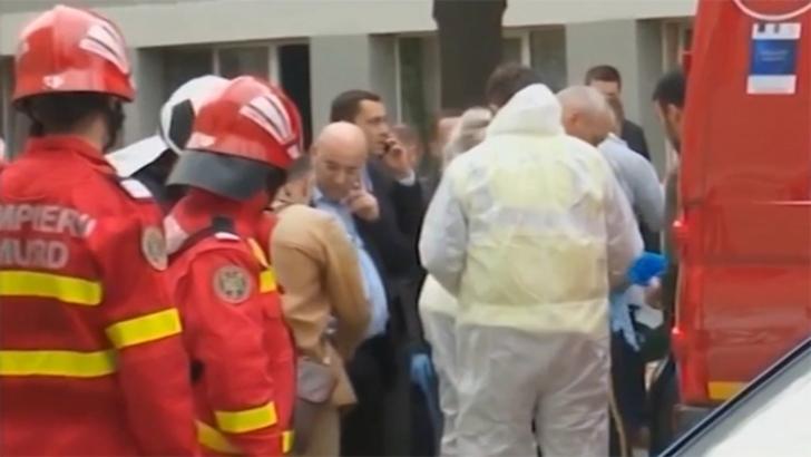 Bloc evacuat după ce un bătrân a amenințat că se aruncă în aer(Video)