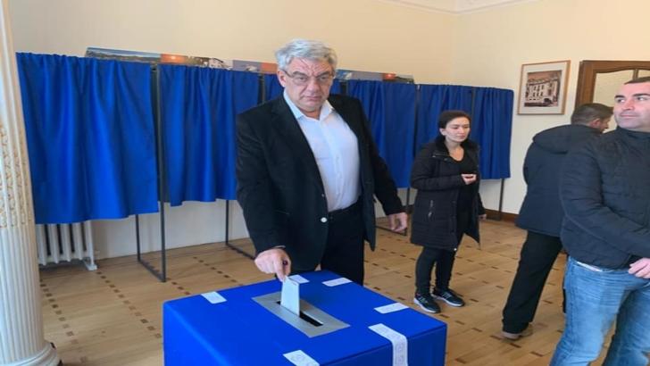 Mihai Tudose, ironie fină după vot: Am votat și pentru redarea prestigiului formulelor matematice