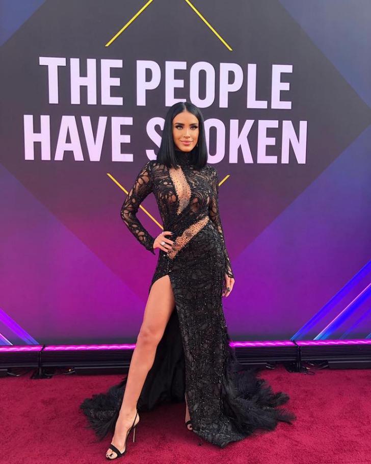 """Adelina Pestrițu i-a """"spart"""" pe americani. Cum s-a prezentat la gală, alături de Kim Kardashian"""