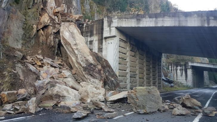 Alunecare de pietre, pe Transfăgărășan