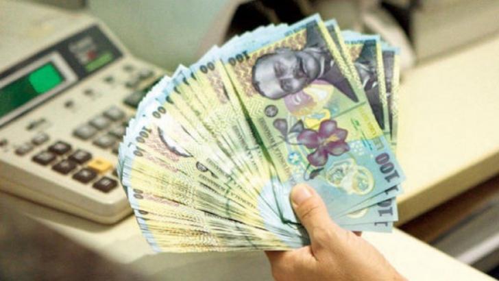 Trei scenarii pentru majorarea salariului minim