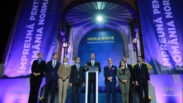 """De ce nu vrea Iohannis dezbatere cu Dăncilă: """"Mimează candidatul democrat"""""""