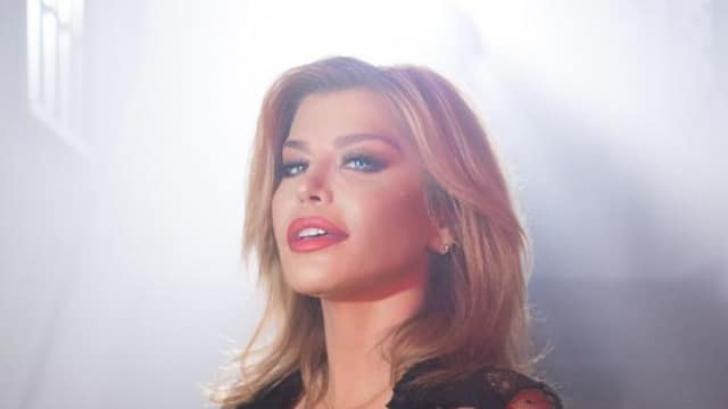 Loredana Groza, decolteu exagerat de sexy în videoclip. Foto interzisă minorilor