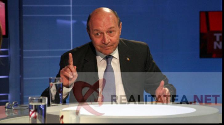 Traian Băsescu consideră că o soluție ar fi eliberarea tuturo pensionarilor de la stat