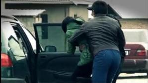 Un nou caz de RĂPIRE, în Bârlad: tânără luată pe sus de pe stradă și băgată într-o mașină de 3 bărbați