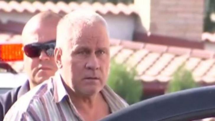 Fiul lui Gheorghe Dincă este căutat de polițiști, după ce a agresat mai mulți jurnaliști