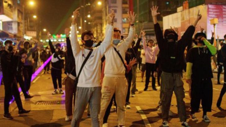 Autorităţile din Hong Kong au anulat spectacolul de artificii, pentru prima dată în ultimul deceniu
