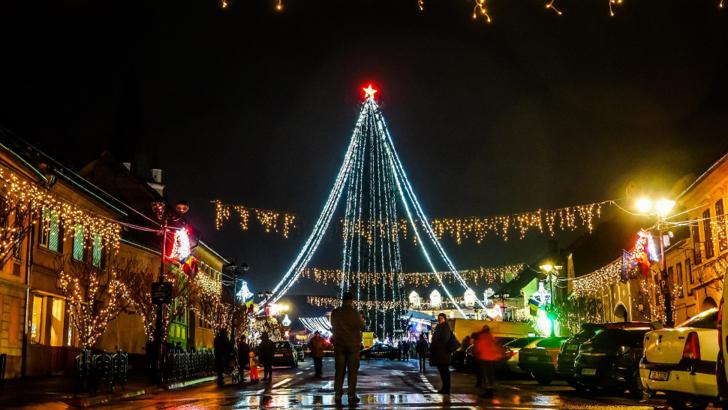 În ce oraș va fi îmbodobit cel mai înalt brad de Crăciun din țara?