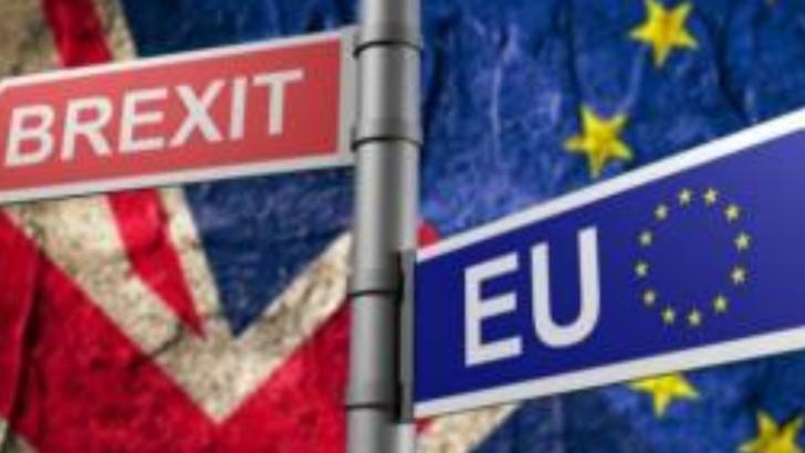 Economia britanică a intrat în recesiune