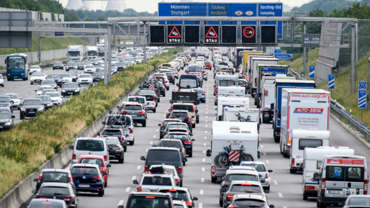 Germania creste taxele! Posesorii de masini, principalii vizati!