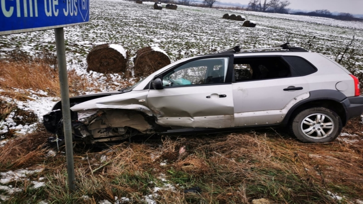 Accident grav, în Bistrița-Năsăud: 4 victime, după un impact violent