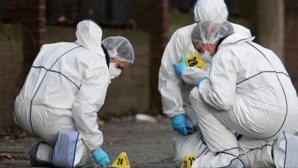 Descoperire macabră! Femeie găsită într-o baltă de sânge. Desupra, un bărbat spânzurat