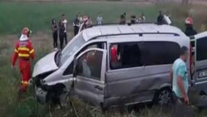 Accident grav, în jud. Alba. Un microbuz cu pasageri s-a răsturnat: 5 victime