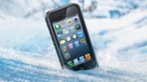 telefon căzut în zăpadă