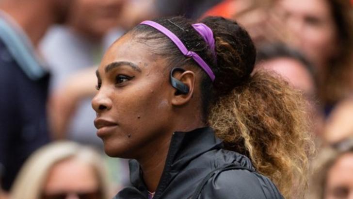 Serena Williams, nervoasă şi lipsită de fair-play după eliminarea de Australian Open