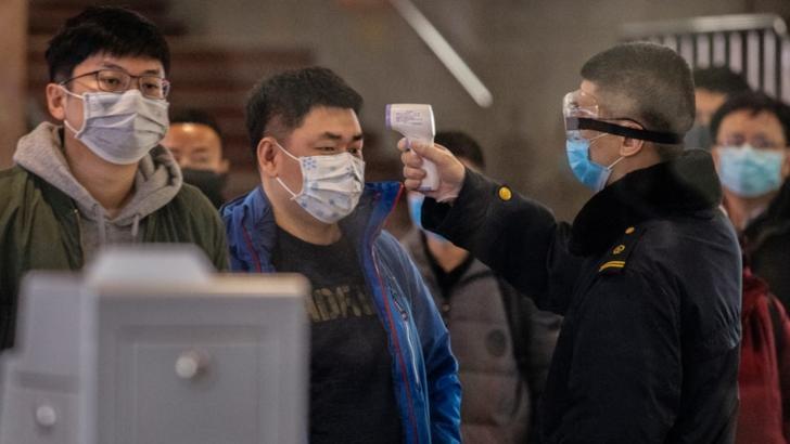 Coronavirusul din China face ravagii: 56 de moti si 2000 de persoane infectate