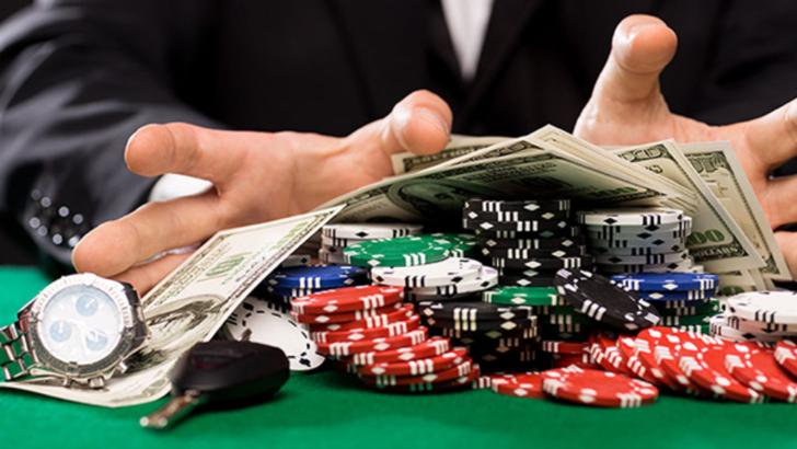 Marea Britanie interzice folosirea cardurilor de credit pentru jocurile de noroc