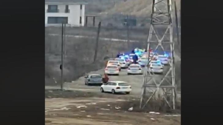 12 maşini de poliţie pe urmele unui şofer fugar! Cum s-a terminat totul