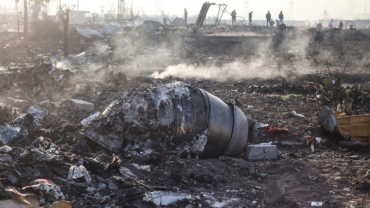 New York Times: Avionul prabusit in Iran, lovit de doua rachete