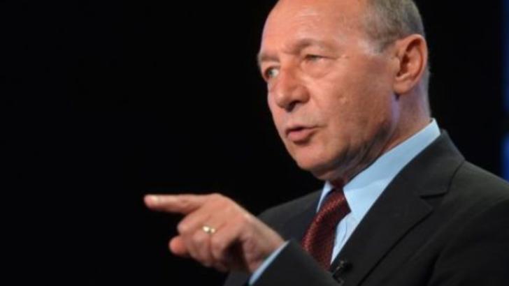 Basescu spune ca Guvernul Orban isi va asuma raspunderea pentru alegerea primarilor in doua tururi