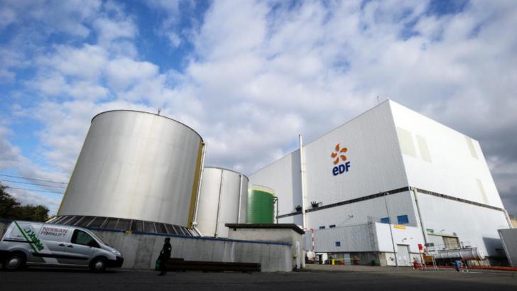 Franța va închide 14 reactoare nucleare până în 2035