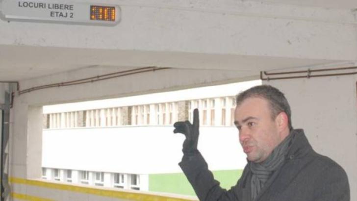 """Cum a ajuns cea mai mare parcare din Slatina să fie vândută """"pe nimic"""", după intrarea în faliment a unei firme înfiinţate de Darius Vâlcov"""