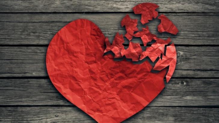 """5 zodii care spun """"te iubesc"""" deși nu simt. Horoscopul inimilor frânte"""