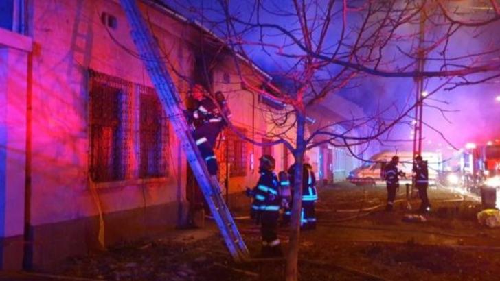Incendiu DEVASTATOR, la Timisoara! Patru copii gasiti carbonizati, cel mai mic avea doar 4 luni