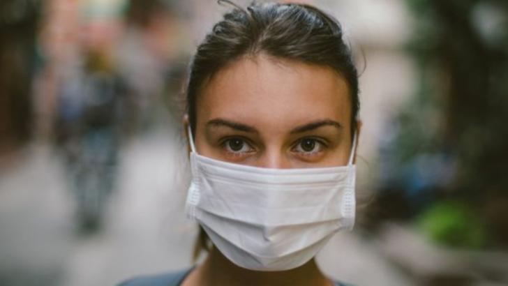 Cât de eficiente sunt de fapt măștile medicale în prevenirea bolilor respiratorii