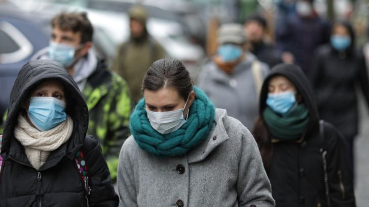 STB distribuie calatorilor, incepand de astazi, masti medicale pentru a impiedica raspandirea gripei
