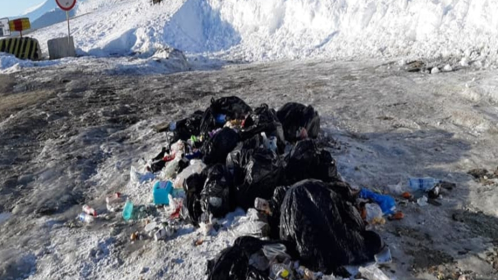 Au reaparut muntii de gunoaie la Ranca