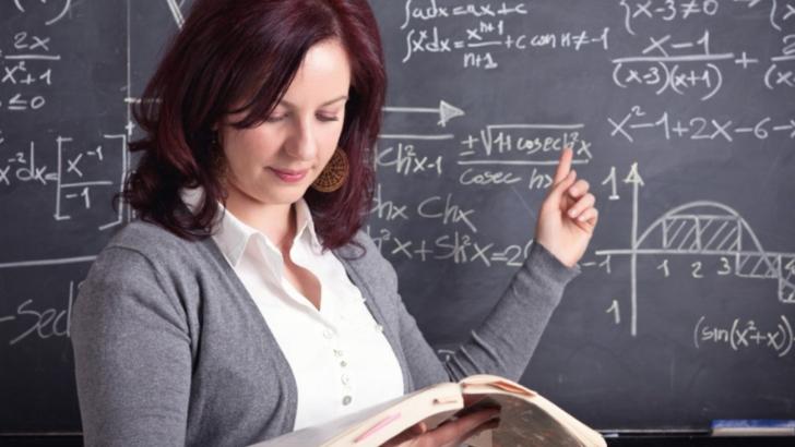 Ministrul Educatiei ii asigura pe profesori ca SUNT BANI pentru cresterile de SALARII