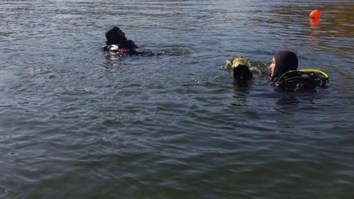 Alertă pe Dunăre. Un marinar a căzut peste bord