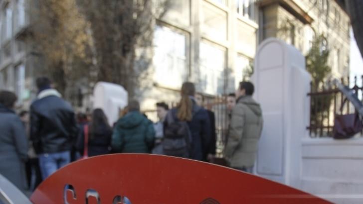 Elevii vor circula gratuit, pe baza carnetului de elev vizat