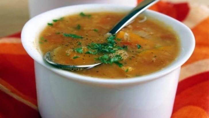 Rețeta nutriționistului: Supa care te ajută să slăbești
